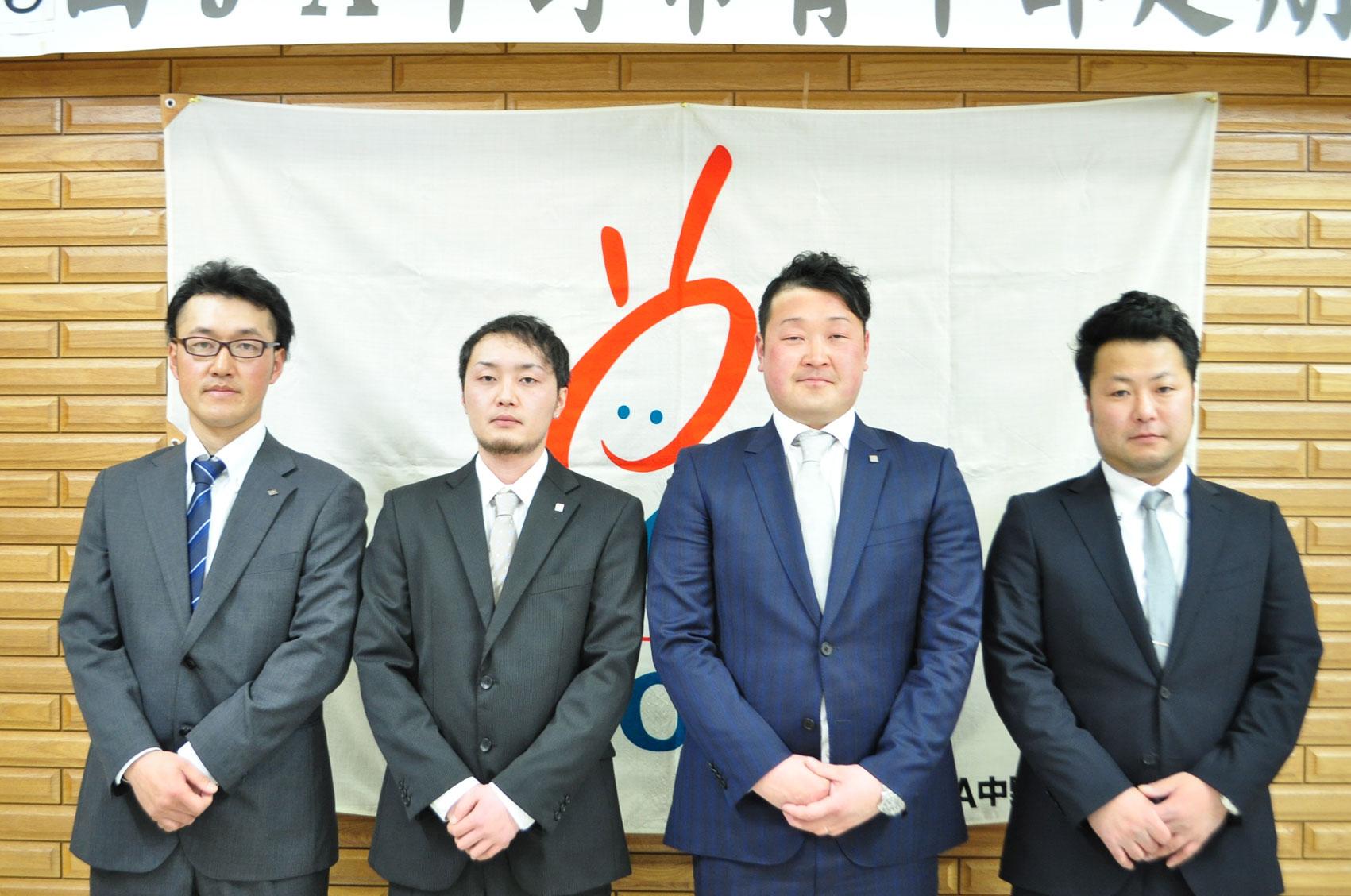 (左から)武田生産部長、田川会計、江本委員長、高田農政文教部長